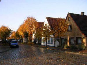 Häuserzeile in Arnis